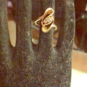Jewelry - ⭐️⭐️⭐️⭐️⭐️⭐️10k gold Diamond Ring ♥️♥️♥️♥️